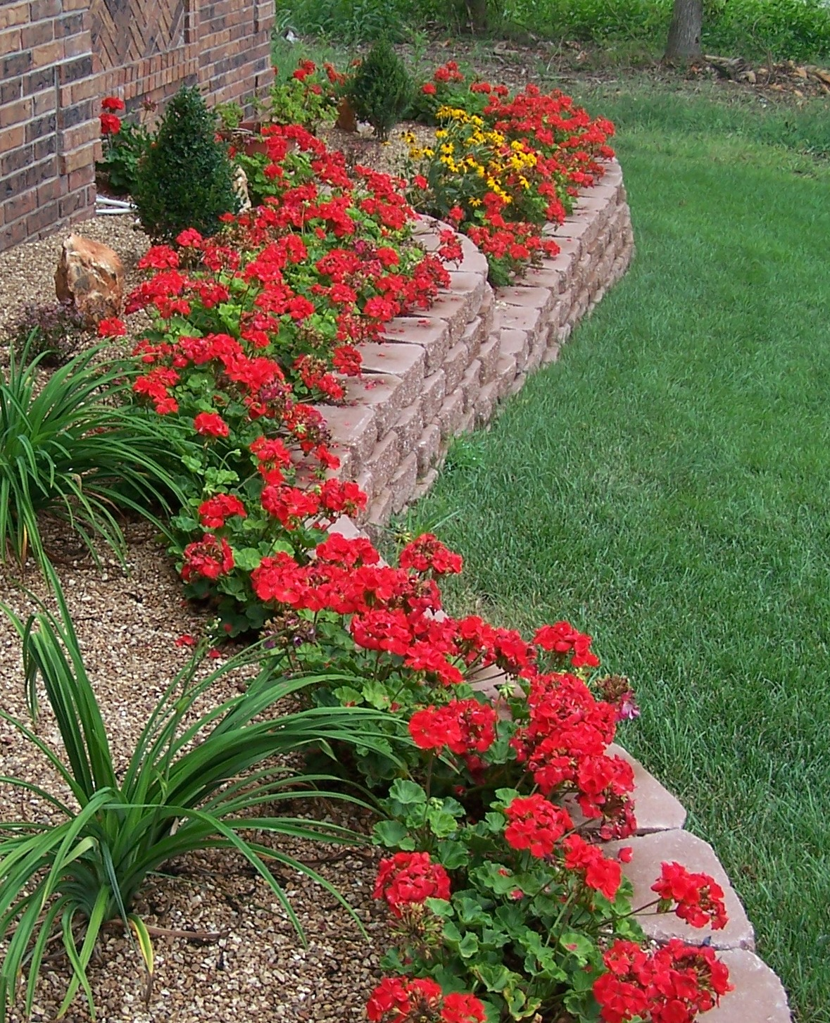 Landscaping Retaining Wall Blocks Menards : Menards ? landscape retaining wall blocks price match off